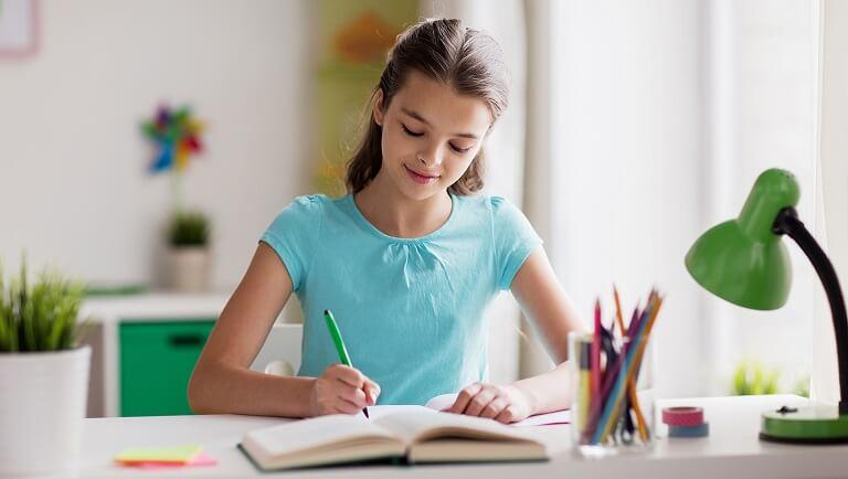 как ребенку правильно держать ручку при письме