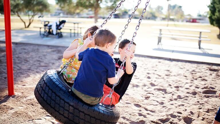 как развивать коммуникативные навыки ребенка
