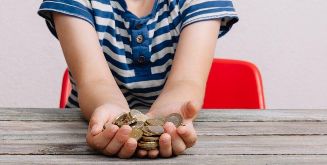 История возникновения денег для детей